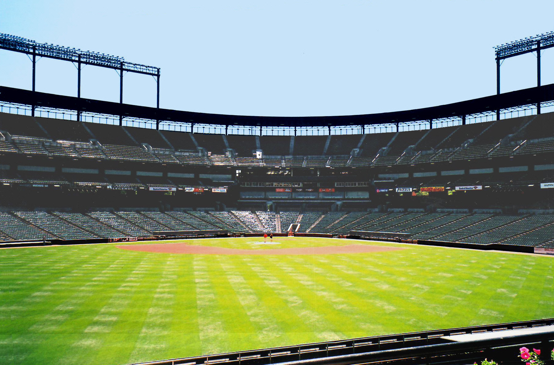 5b5ed24e4 2015 White Sox–Orioles crowdless game - Wikipedia