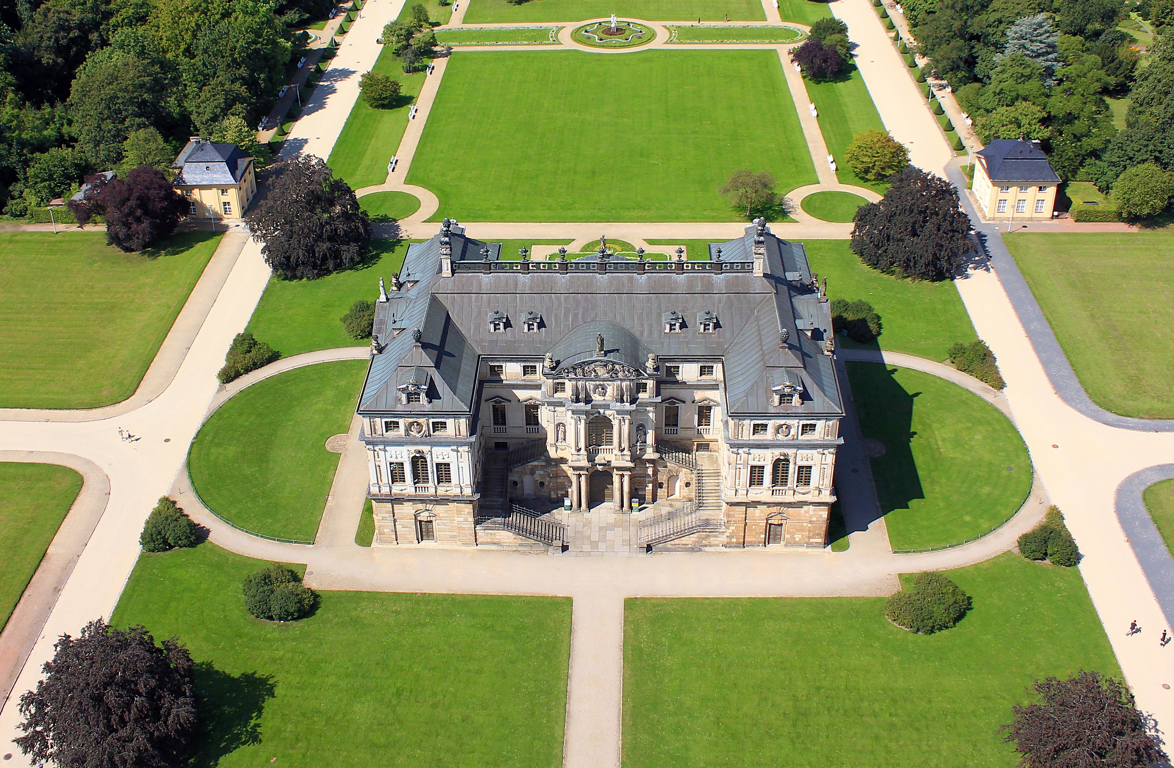 Filepalais Im Großen Garten Tiefflugbild 1jpg Wikimedia Commons