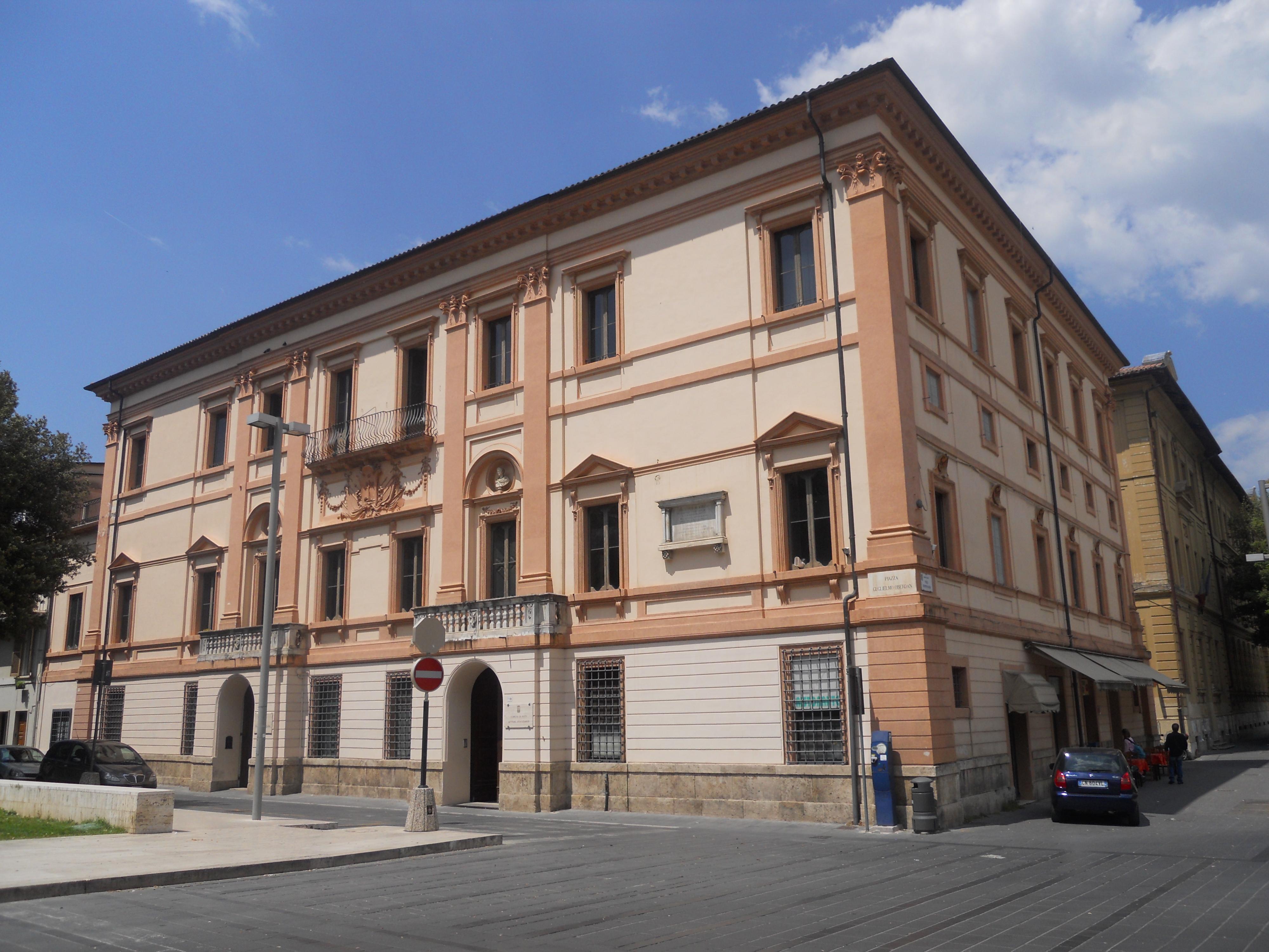 File palazzo ricci rieti wikipedia - Pilozzo da esterno ...