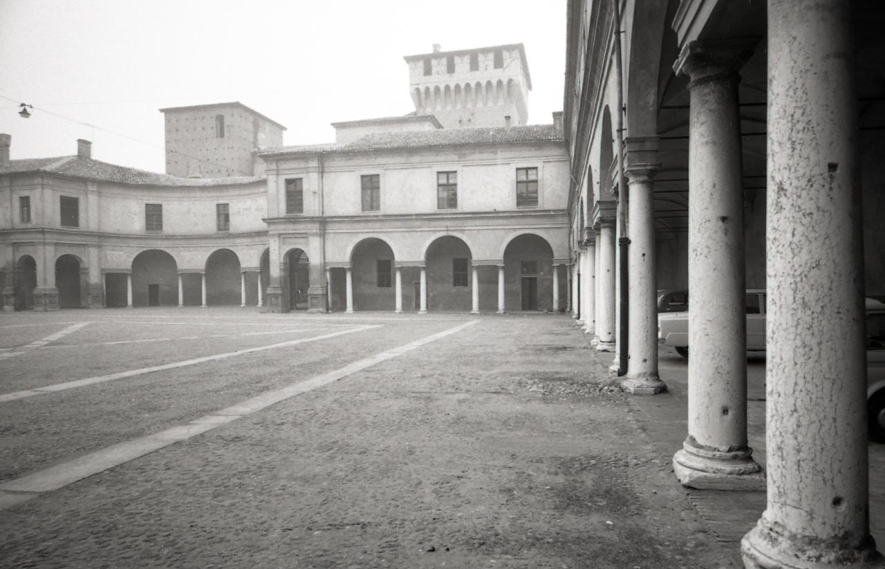 File paolo monti servizio fotografico mantova 1966 for Materiale fotografico milano