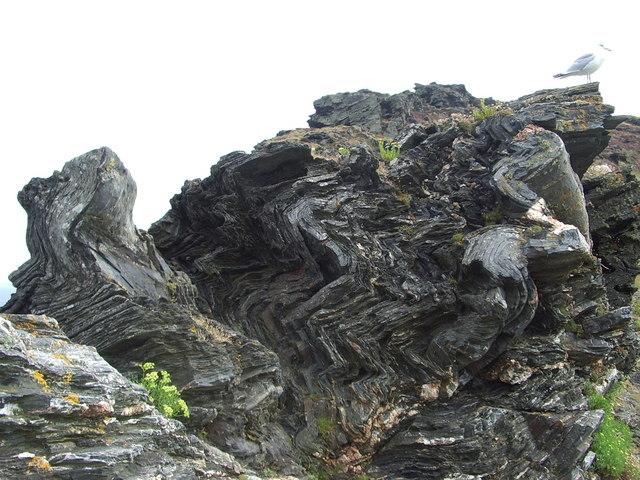 File:Rock formations - geograph.org.uk - 1095370.jpg