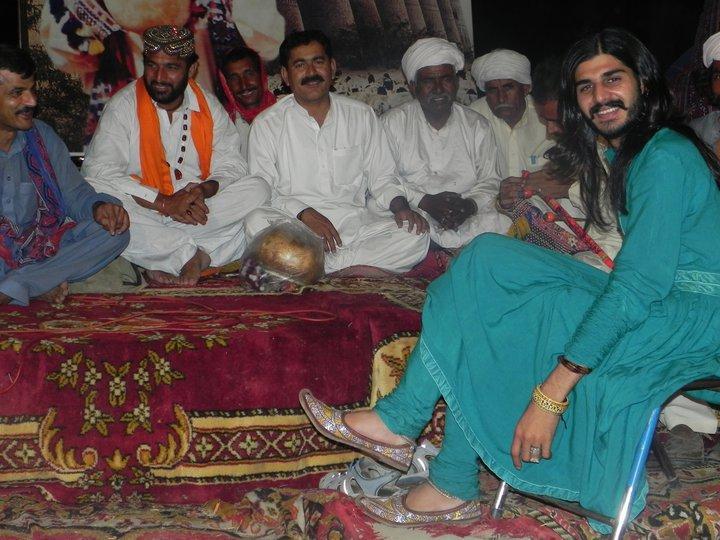 Saraiki shalwar suits - HowlingPixel