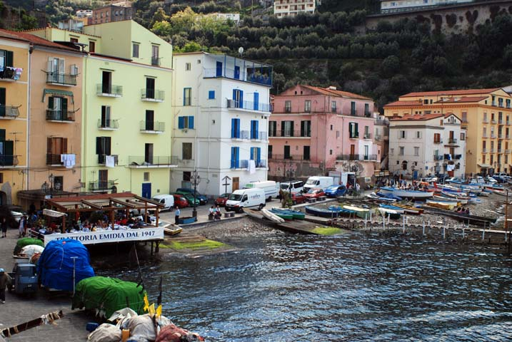 File:Sorrento Marina Grande.jpg