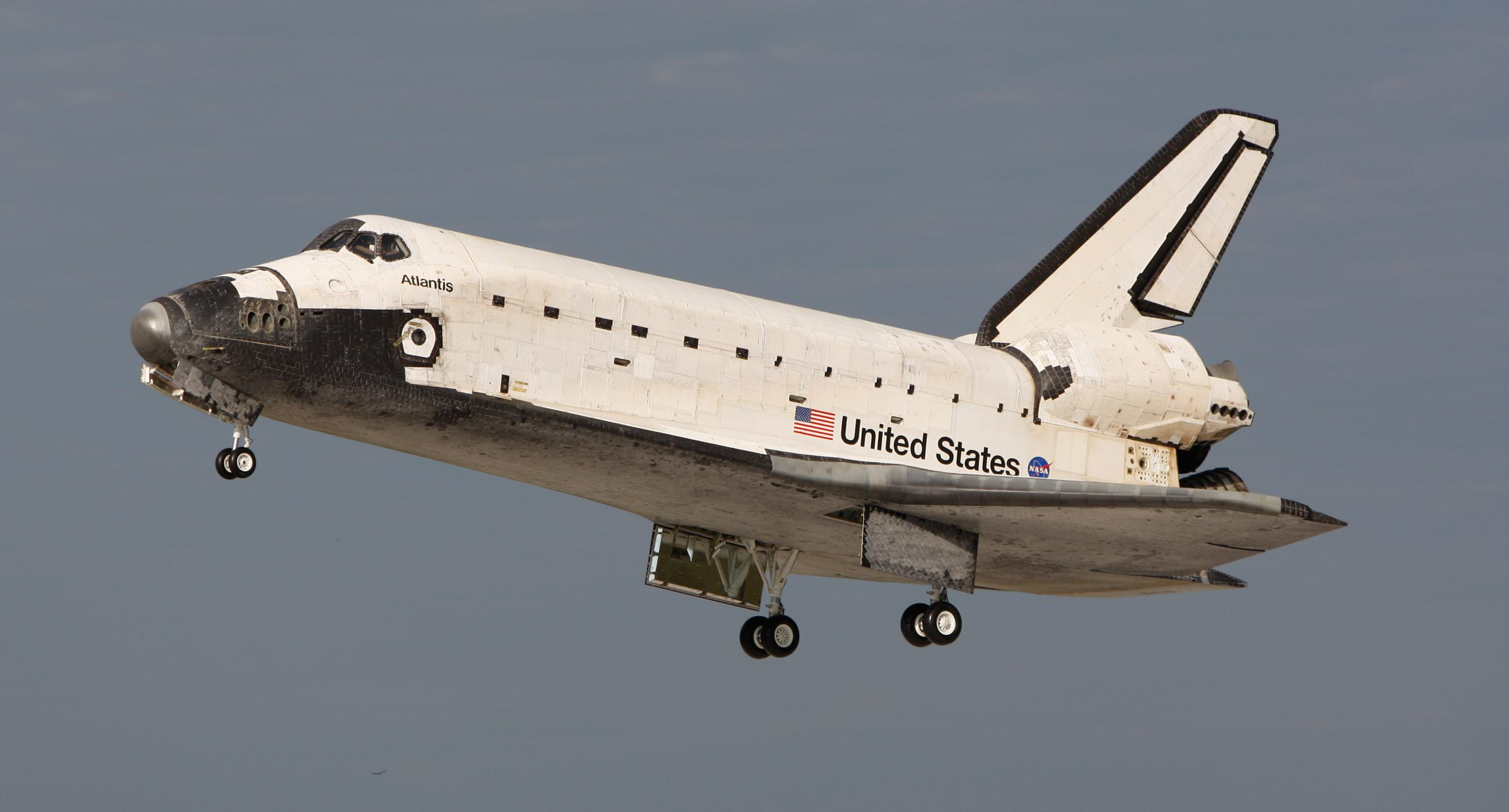 File Space Shuttle Atlantis Landing At Ksc Following Sts