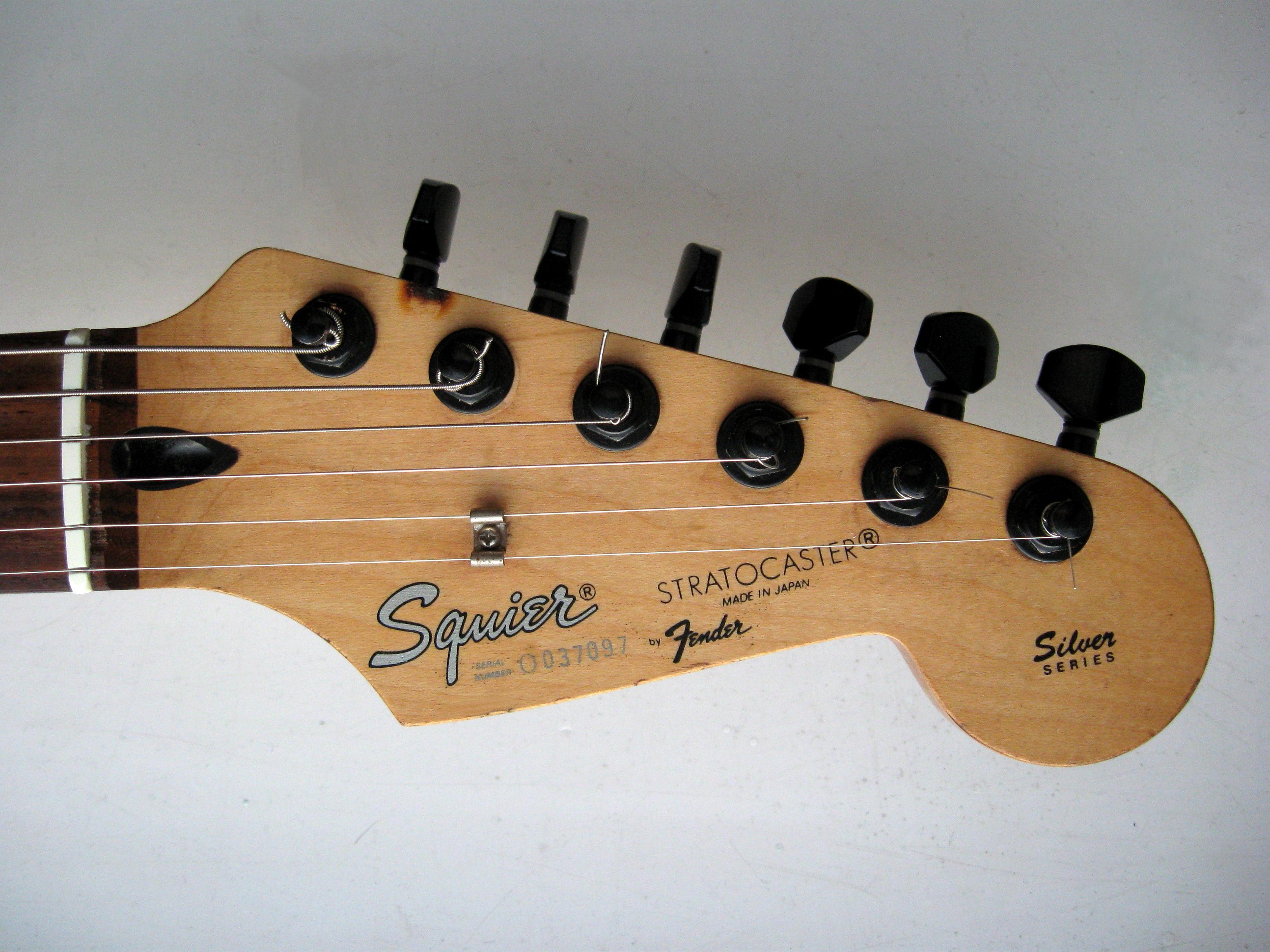 Squier Stratocaster serie nummer dating