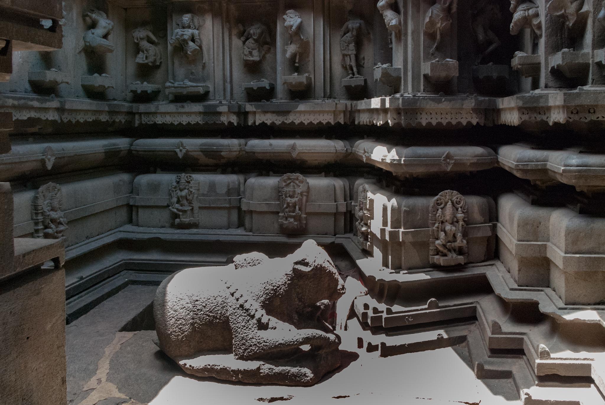 Sri_Nandi_-_Bhuleshwar_Temple