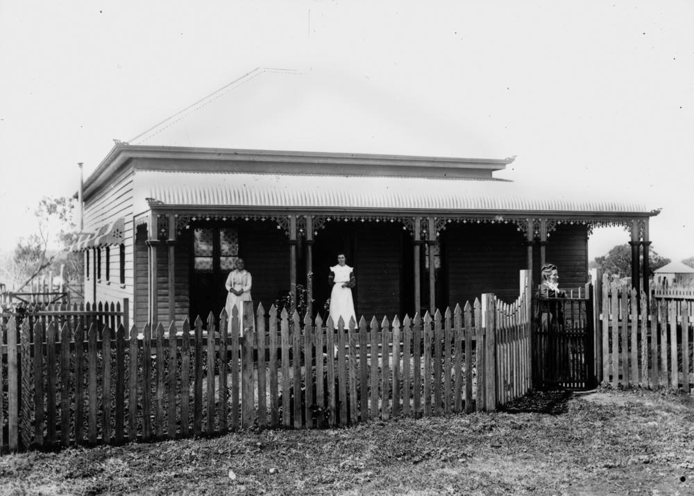 File Statelibqld 1 115648 Timber House In Pittsworth 1890