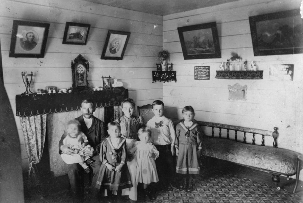 FileStateLibQld 1 169147 Andersen Family Photographed In Their Living Room At Swanfels Queensland