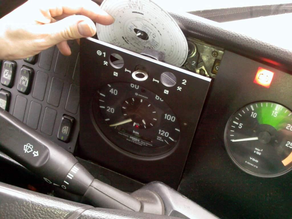 Dowód na to, że manipulacje przy tachografie to najgorsze, co może zrobić kierowca