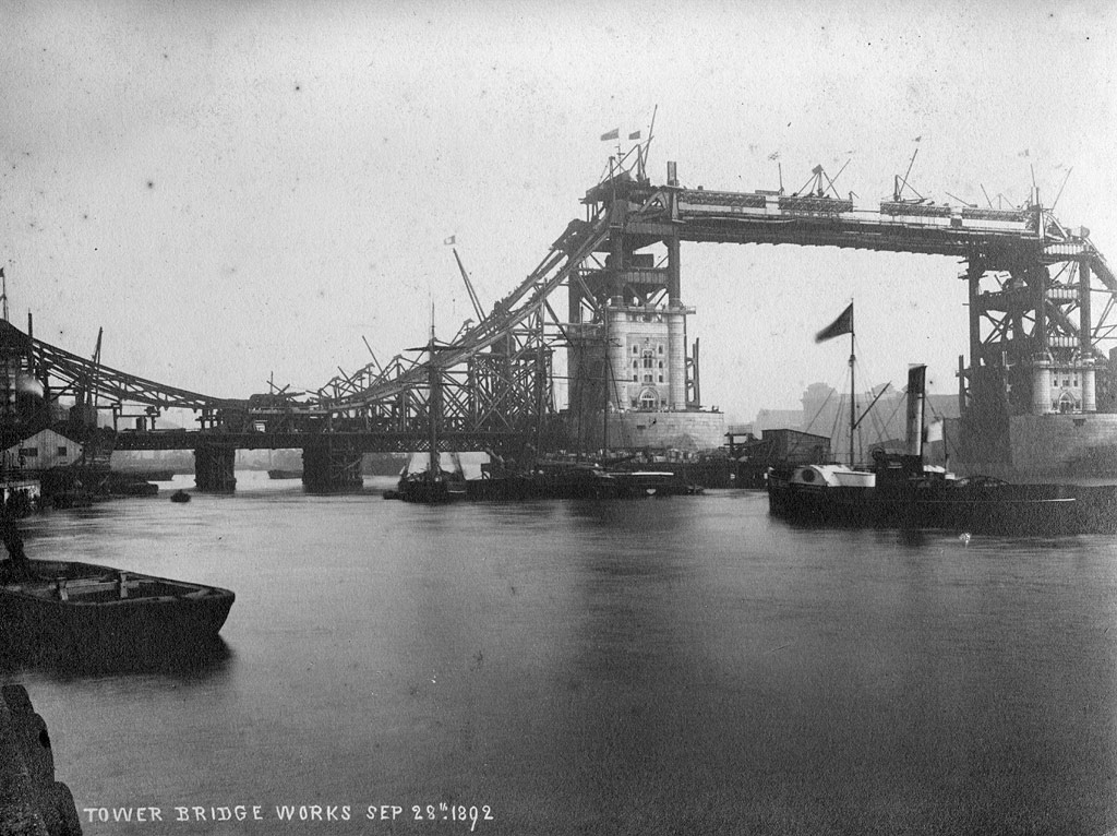 Tower Bridge under construction, 1892