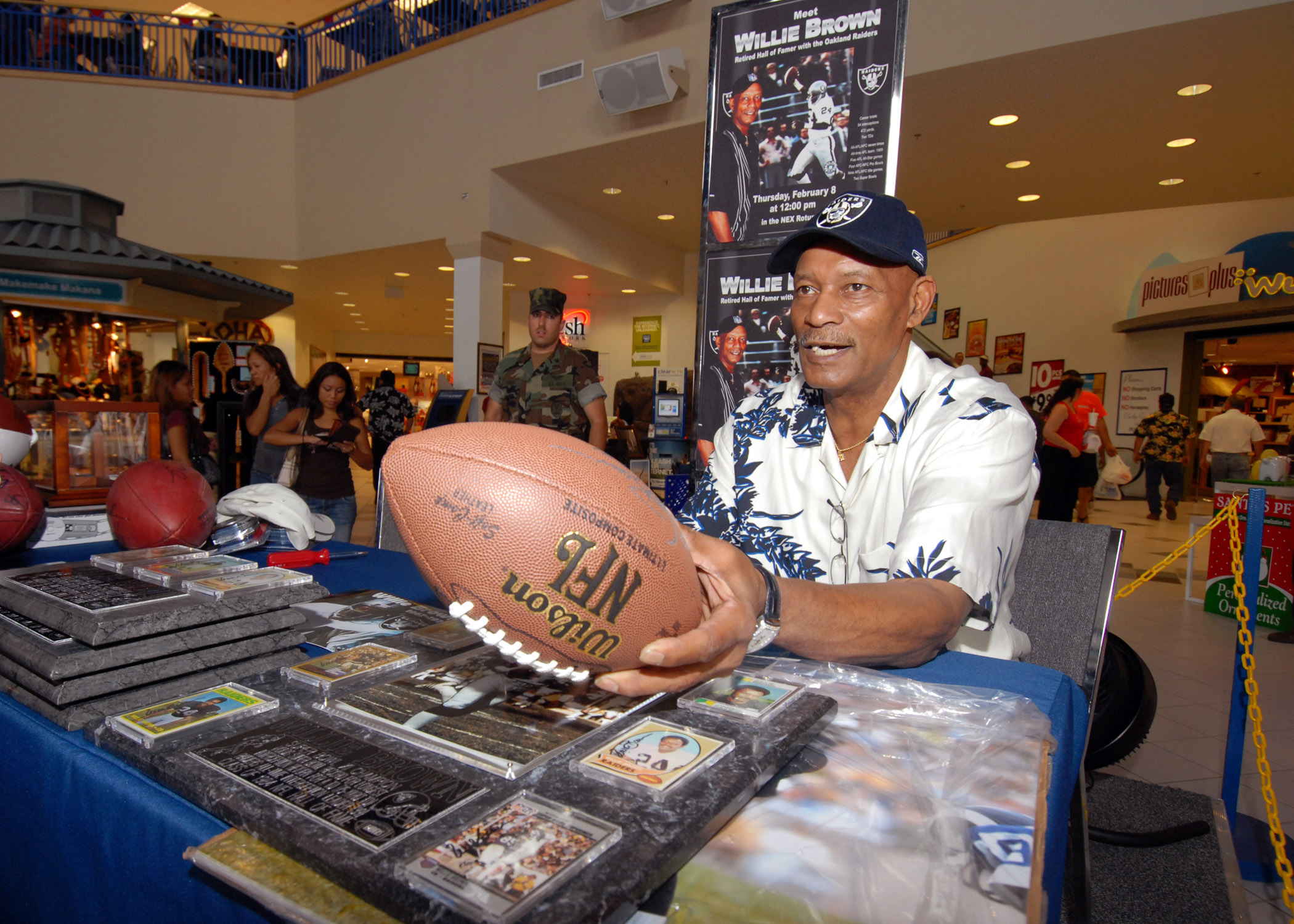 e91c557c File:US Navy 070208-N-4965F-002 Willie Brown, Hall of Fame ...