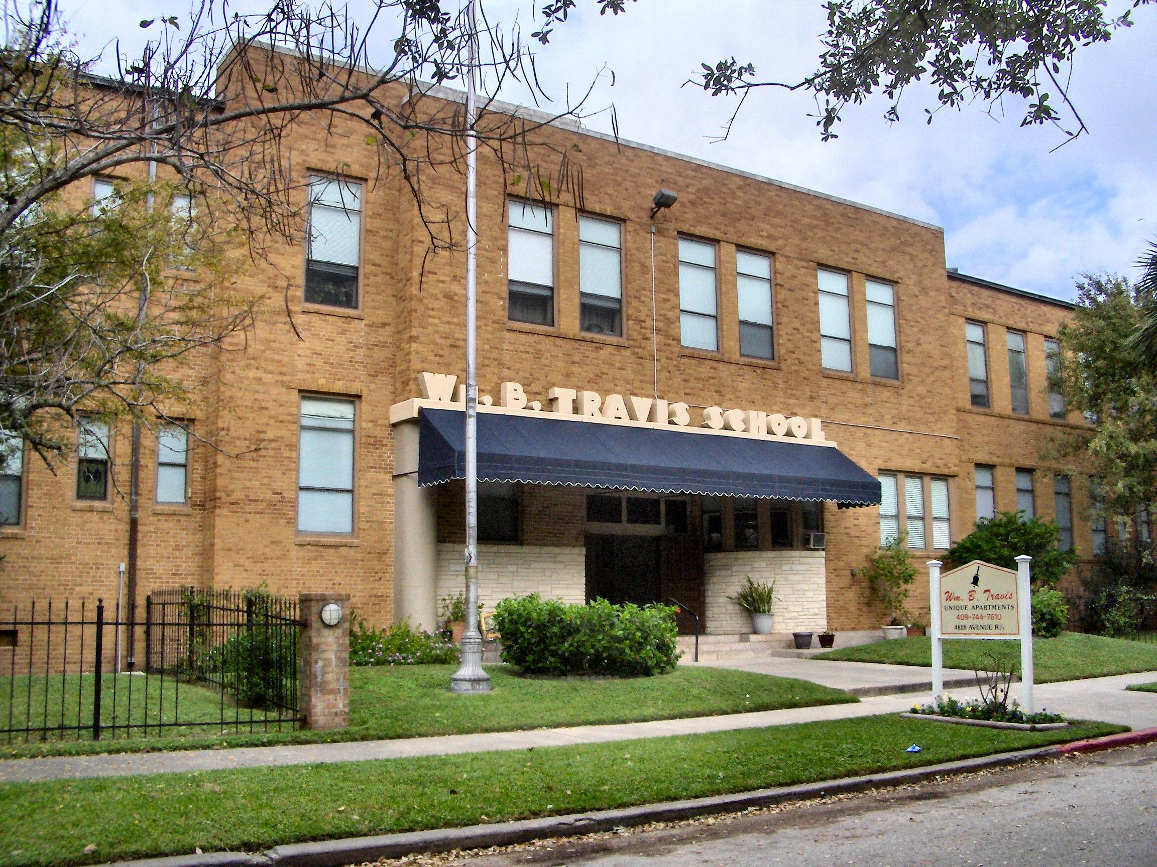 File:William B Travis Elementary, Galveston.jpg