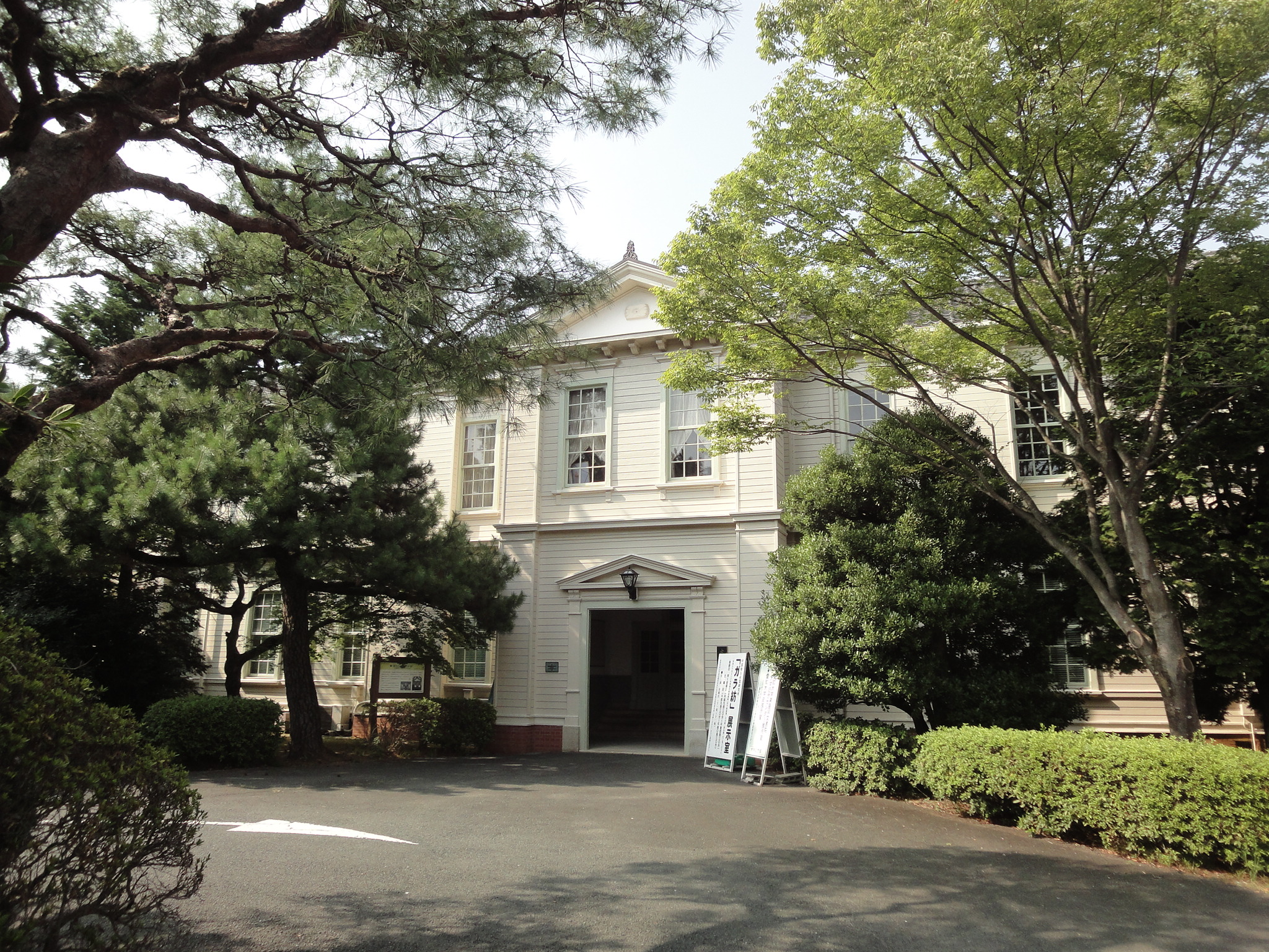 7%2f71%2funiversity memorial hall of aichi university 100822