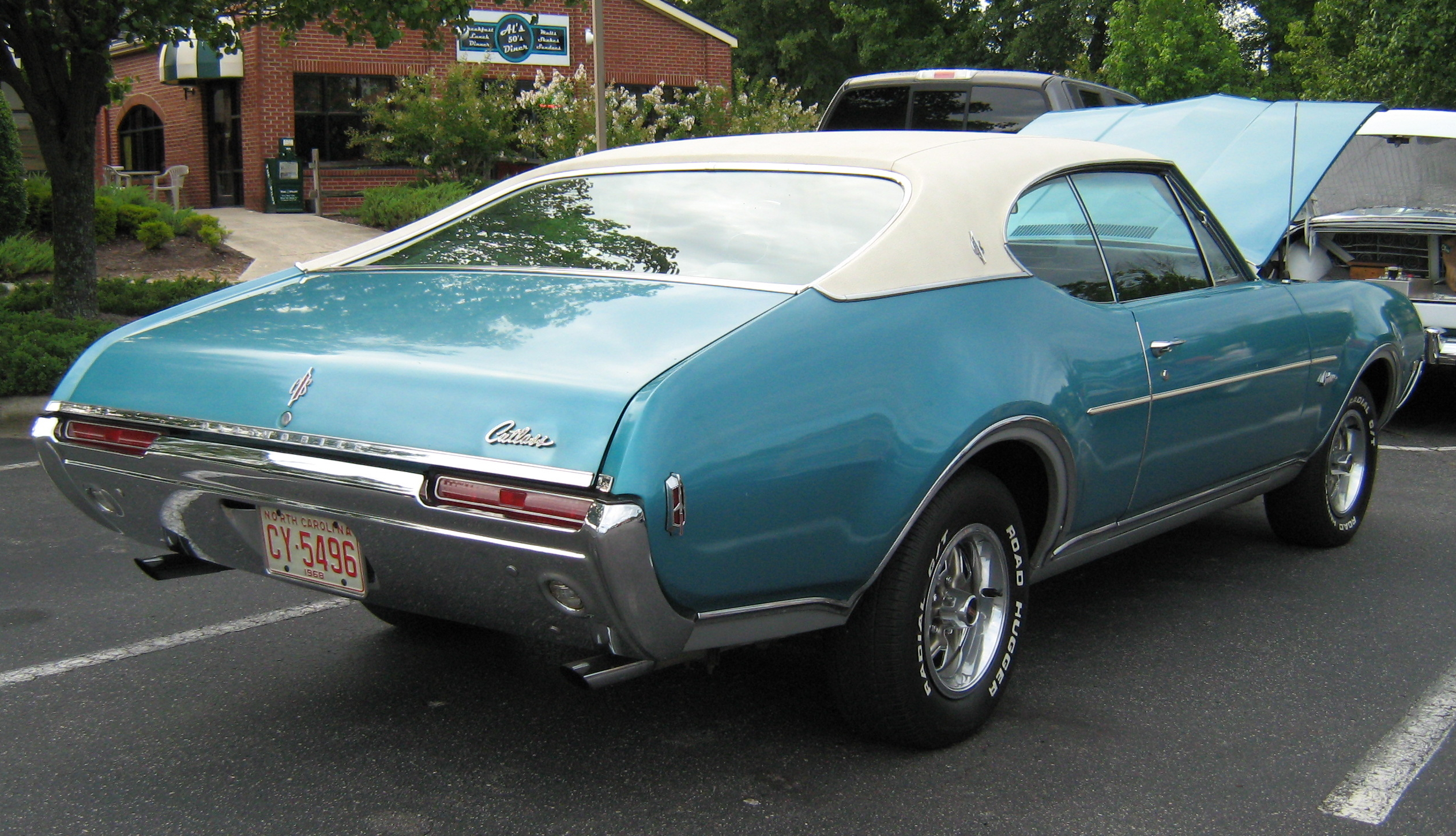 Oldsmobile cutlass supreme 2 door convertible side profile 81965 - 1968 Olds Cutlass 2door