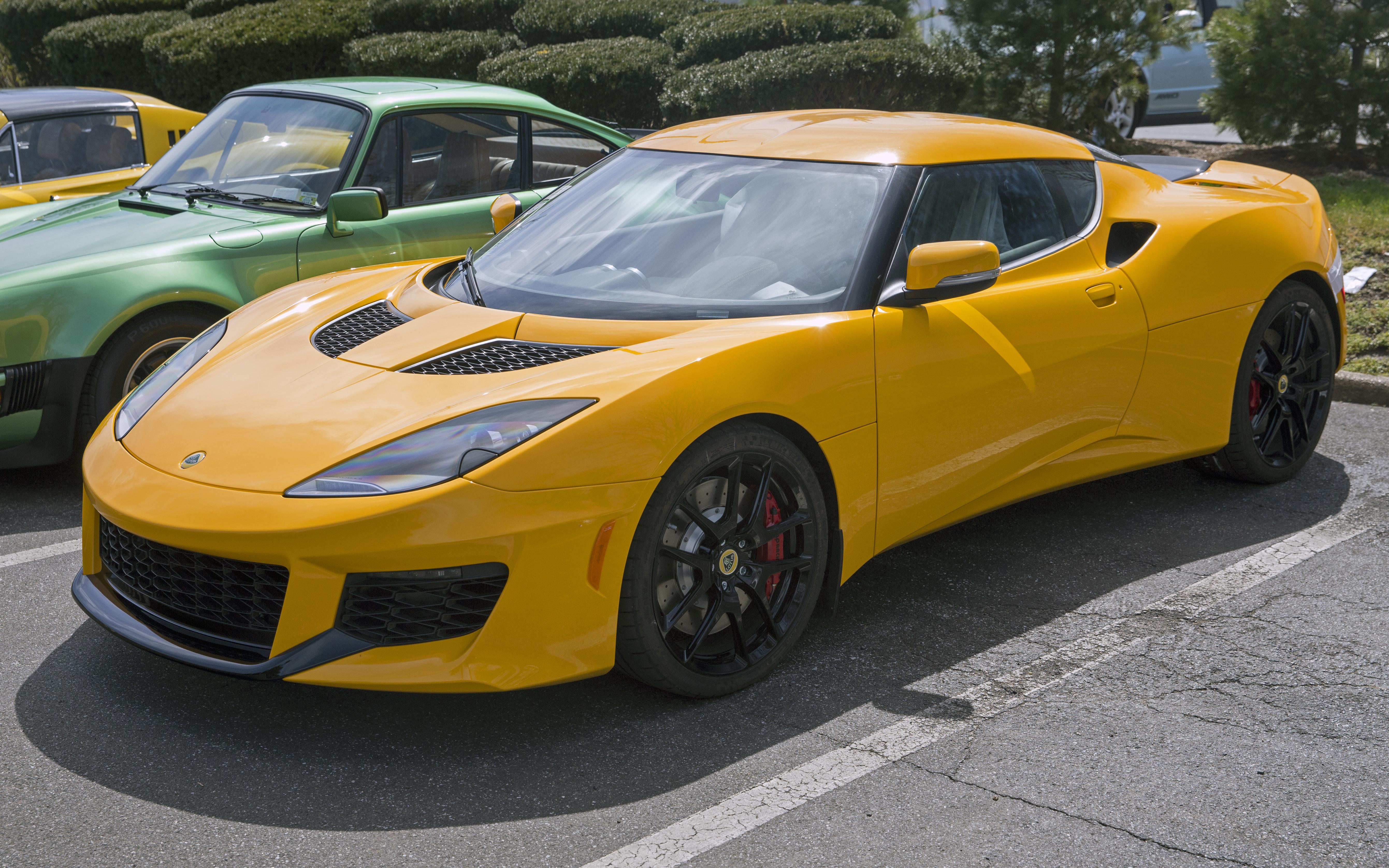 File 2018 Lotus Evora 400 In Yellow Front Left Jpg