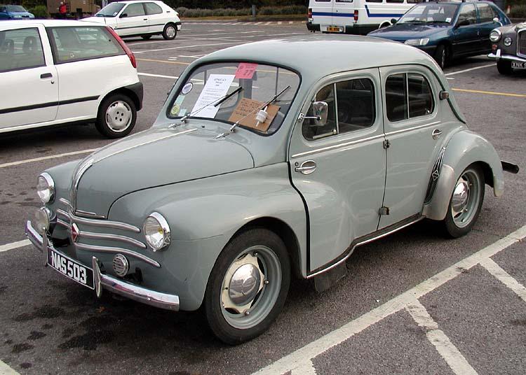 Renault 4/4: 2 фото.