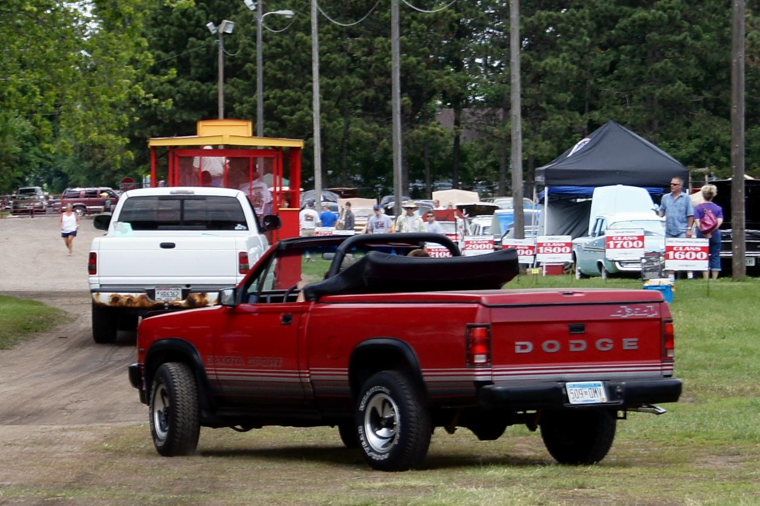 89_Dodge_Dakota_Sport_(8058327756).jpg