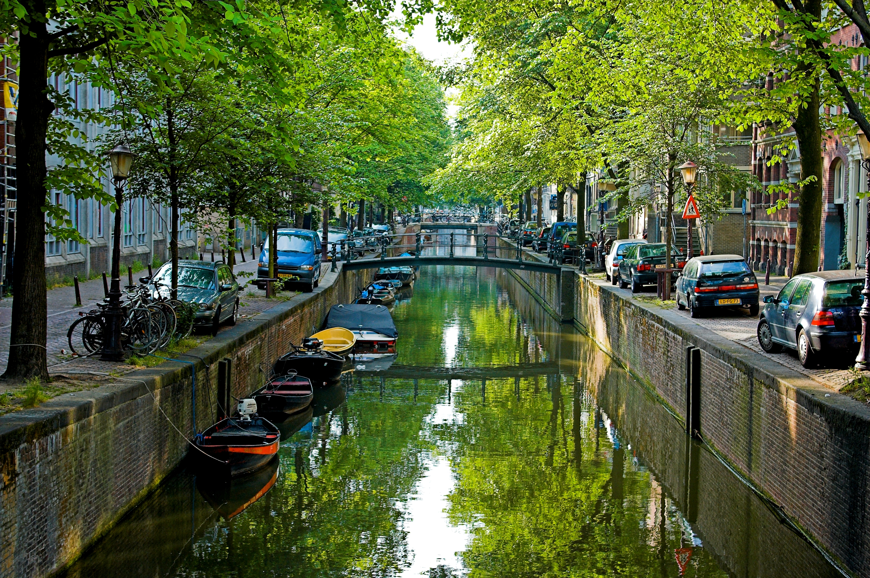 File amsterdam for Piscine meaning in english