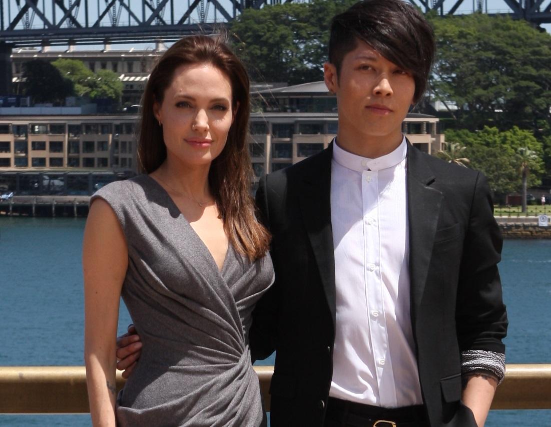 Photo of Takamasa Ishihara & his friend actress  Angelina Jolie  - Unbroken