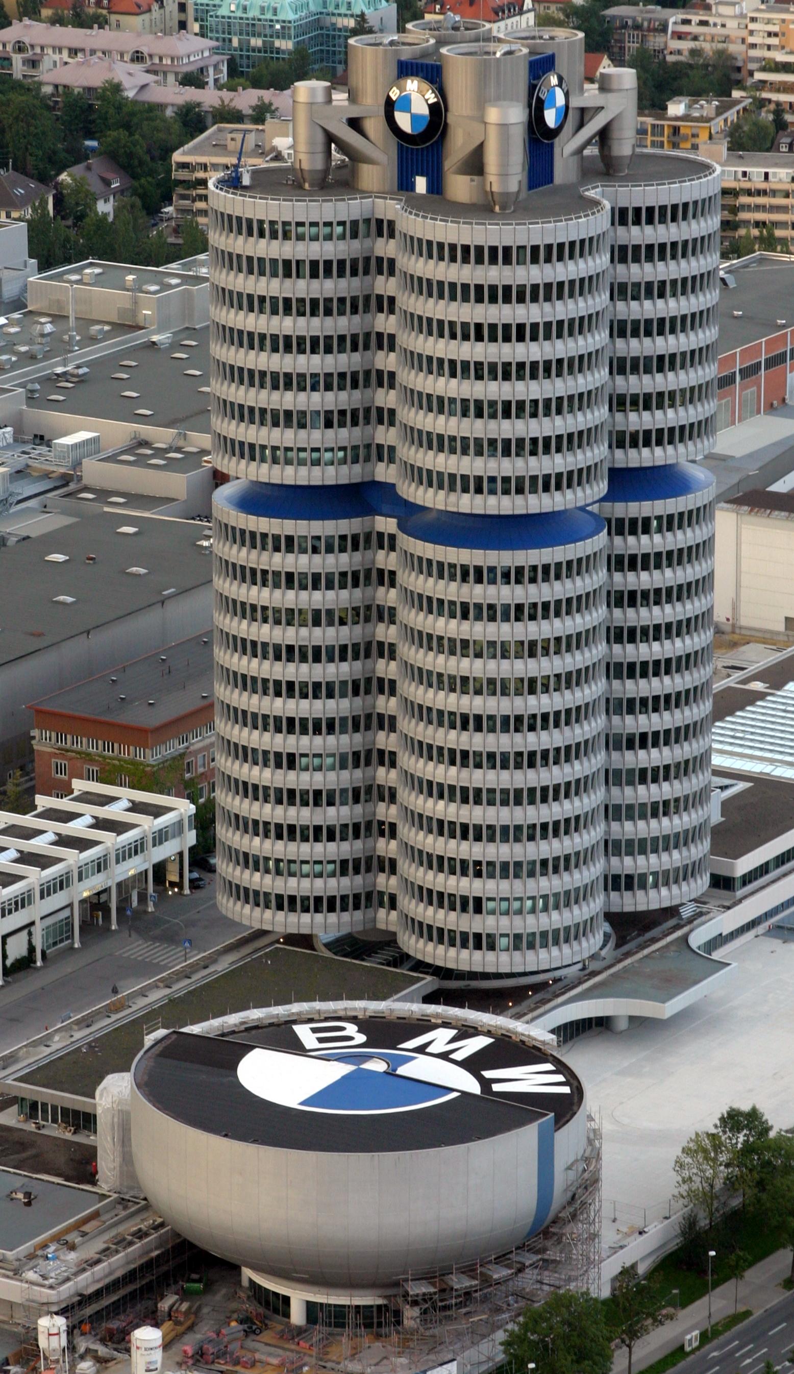 Bmw-hochhaus_1.jpg