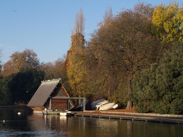 Boathouse, Battersea Park - geograph.org.uk - 616955