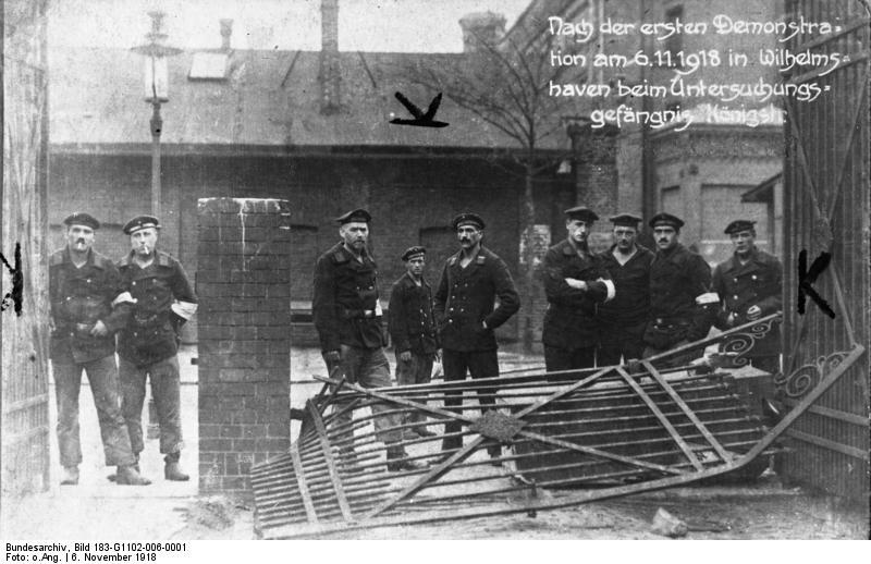 File:Bundesarchiv Bild 183-G1102-006-0001, Wilhelmshaven, Novemberrevolution.jpg