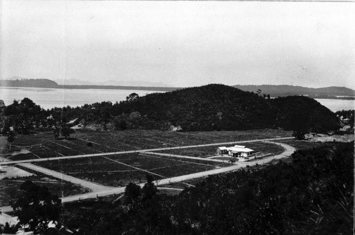 File Collectie Tropenmuseum Gezicht Over Sibolga En De Baai Van Tapanoeli Tmnr 60004150 Jpg Wikimedia Commons