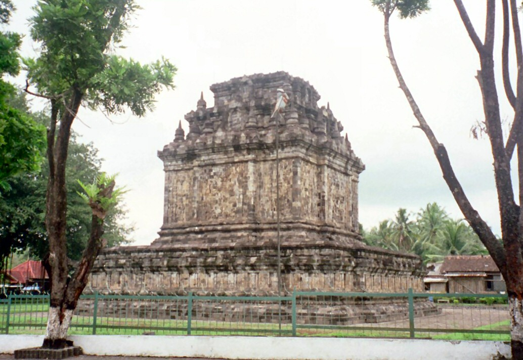 Berkas:Candi Mendut Indonesia.jpg - Wikipedia bahasa Indonesia ...