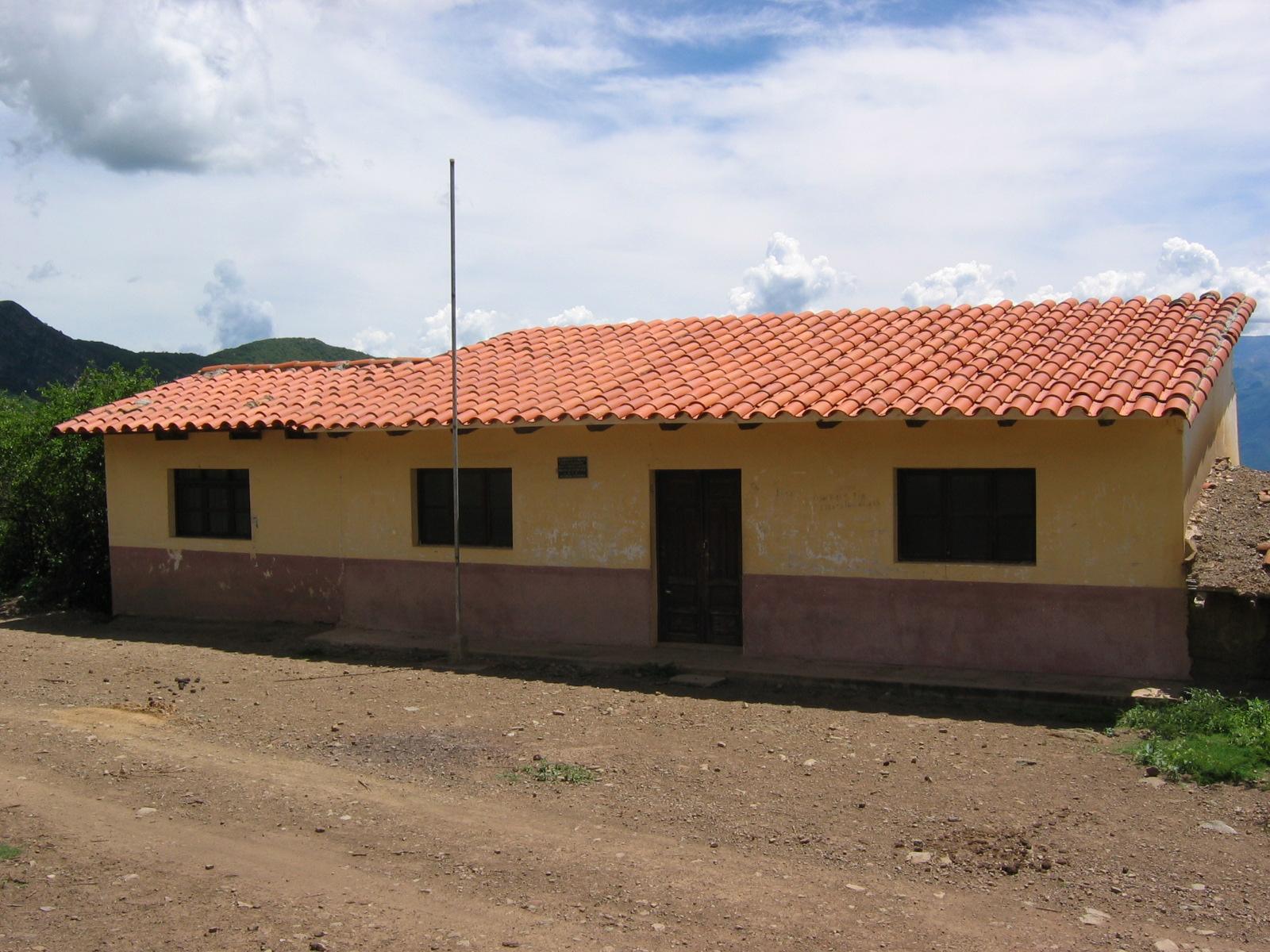 Escuela de La Higuera, donde estuvo prisionero y murió el CheGuevara.