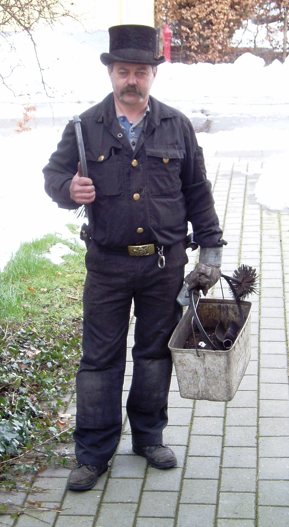 Do You Need A Chimney Sweep Ask New Richmond S Chimney