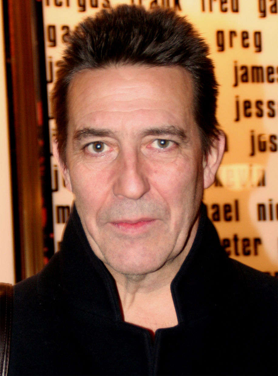 The 63-year old son of father Gerry Hinds and mother Moya Hinds, 186 cm tall Ciarán Hinds in 2017 photo