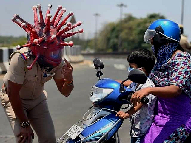 Officers felt that frontline workers were better communicators than politicians. Image:  Shantanu Dutta/Wikimedia Commons