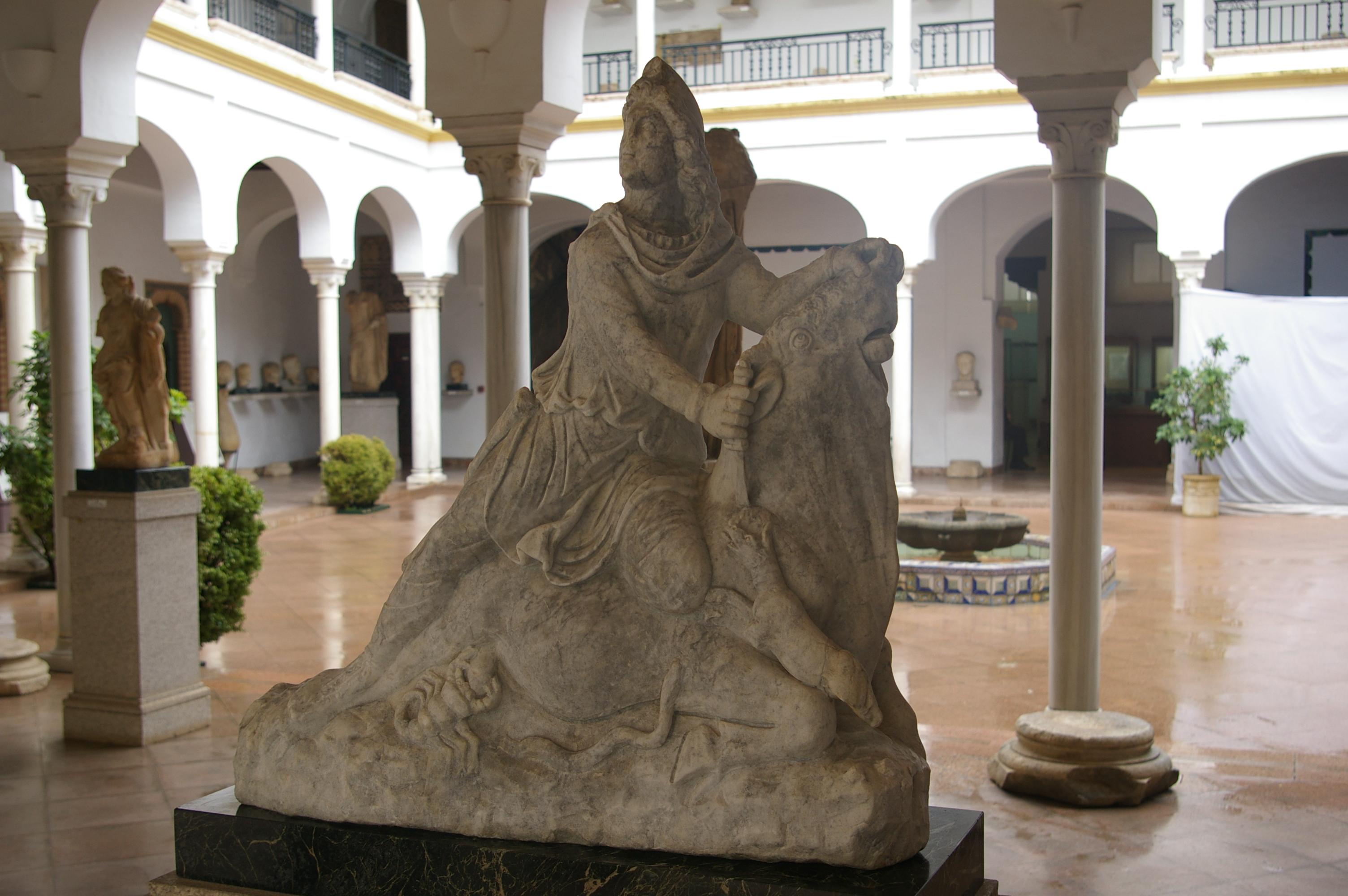 File:Dios Mitra en el Museo Arqueológico y Etnológico de Córdoba, Spain.jpg -...