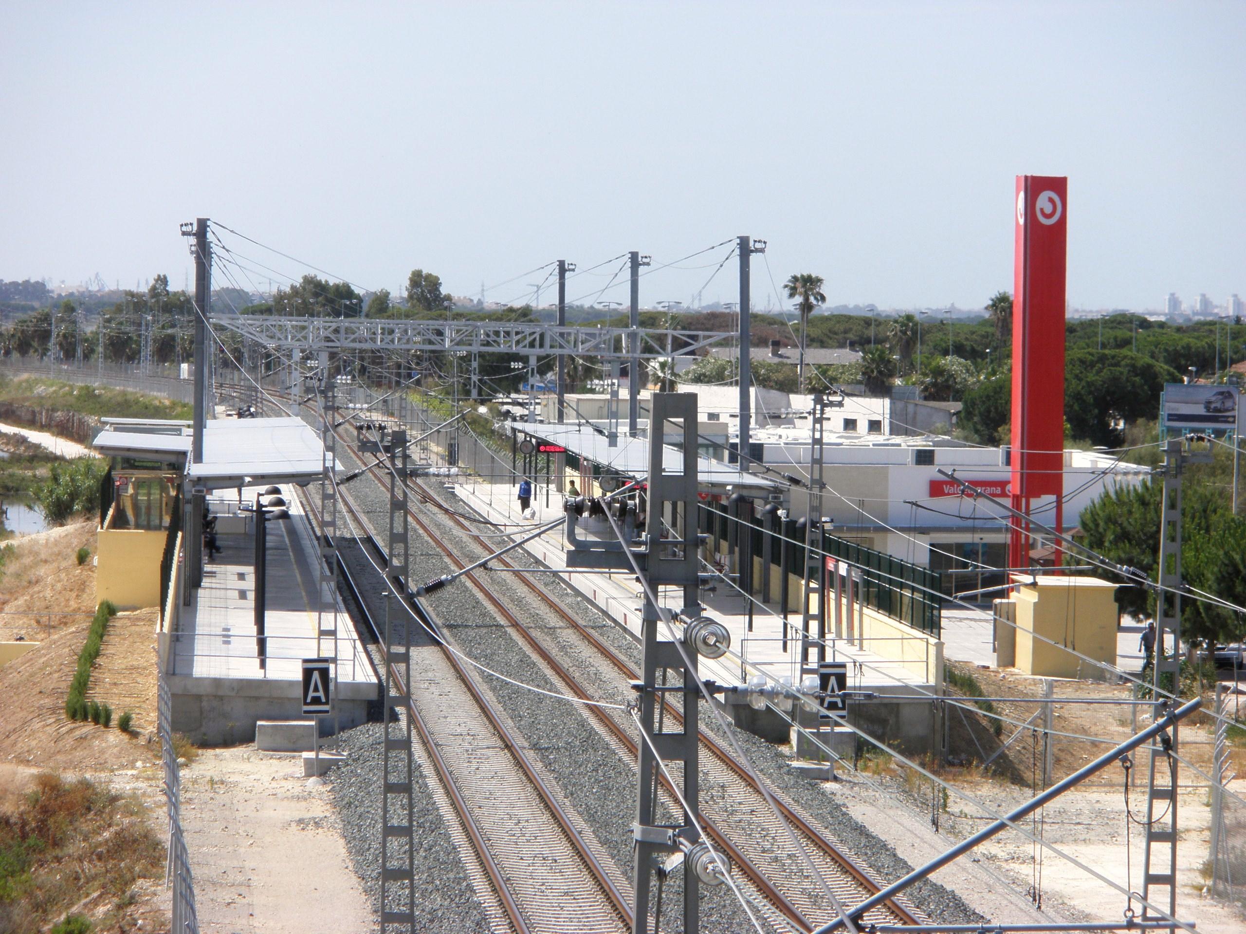 File estaci n de trenes de valdelagrana el puerto de santa mar a c diz espa a 2 jpg - Tren el puerto de santa maria madrid ...