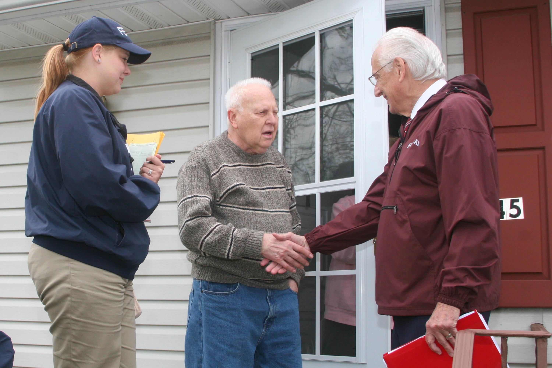 Bill Pascrell - FEMA   43856   Community Relations Specialist Elisa Nigaglioni %28left%29%2Cand Congressman Bill Pascrell