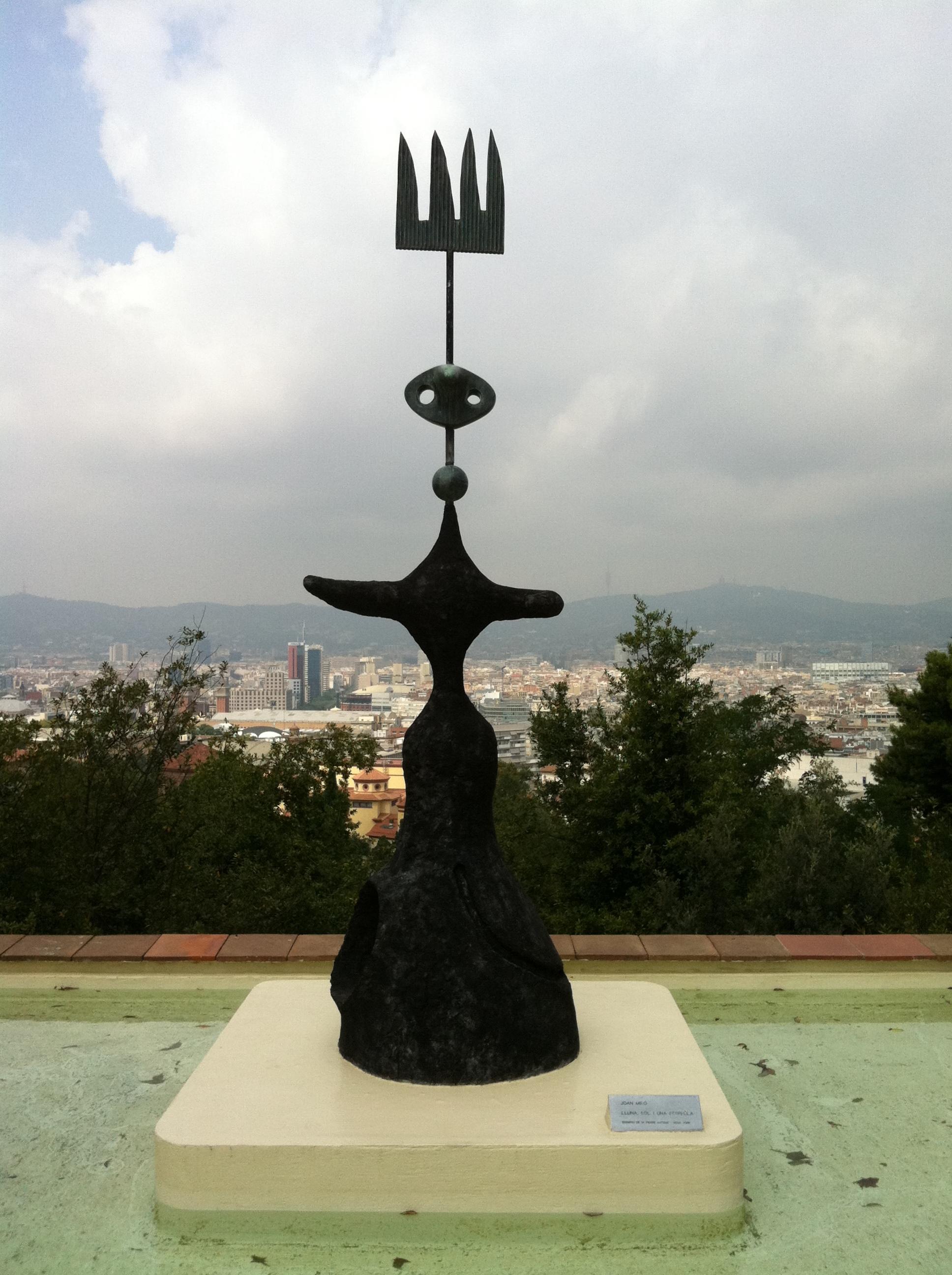 File:Fundació Joan Miró - Lluna, sol i una estrella.jpg - Wikimedia Commons
