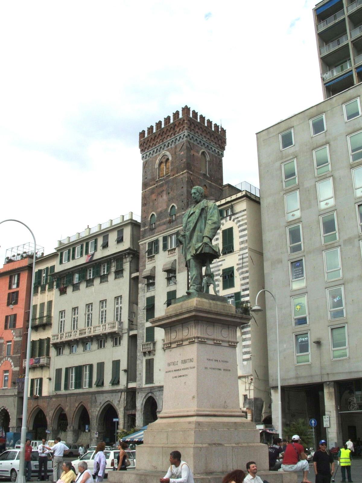 File genova piazza caricamento dscf7736 jpg wikimedia for Arredo bagno via gramsci genova