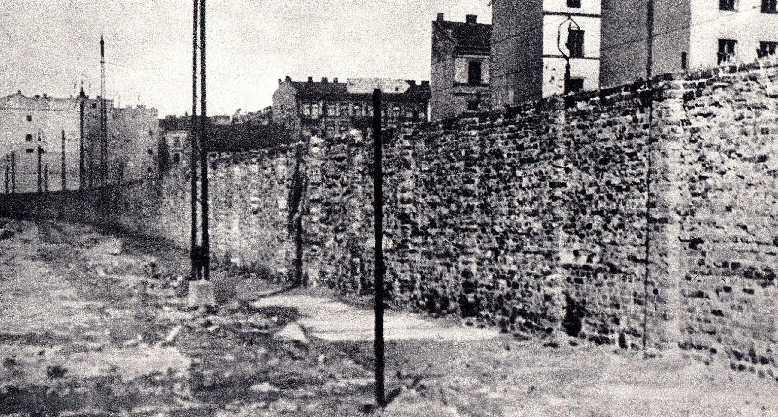 file ghetto wall warsaw ghetto 010     wikimedia commons