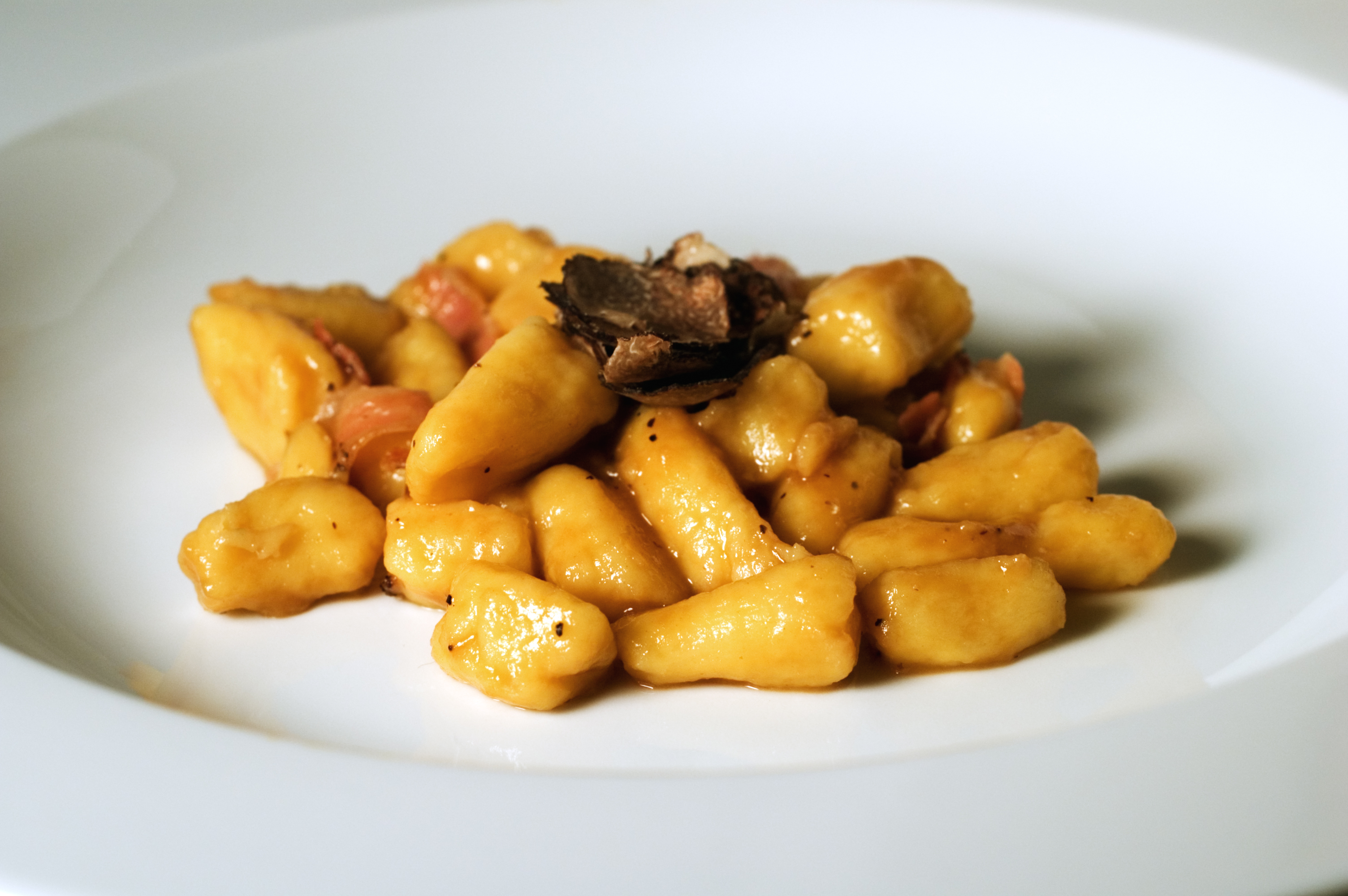 File:Gnocchi with truffle.jpg - Wikipedia, the free encyclopedia