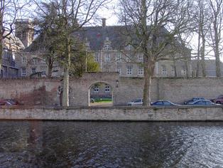 Institut in Belgien
