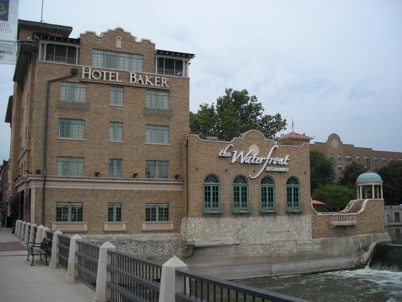 File Hotel Baker St Charles IL 03 JPG Wikimedia mons
