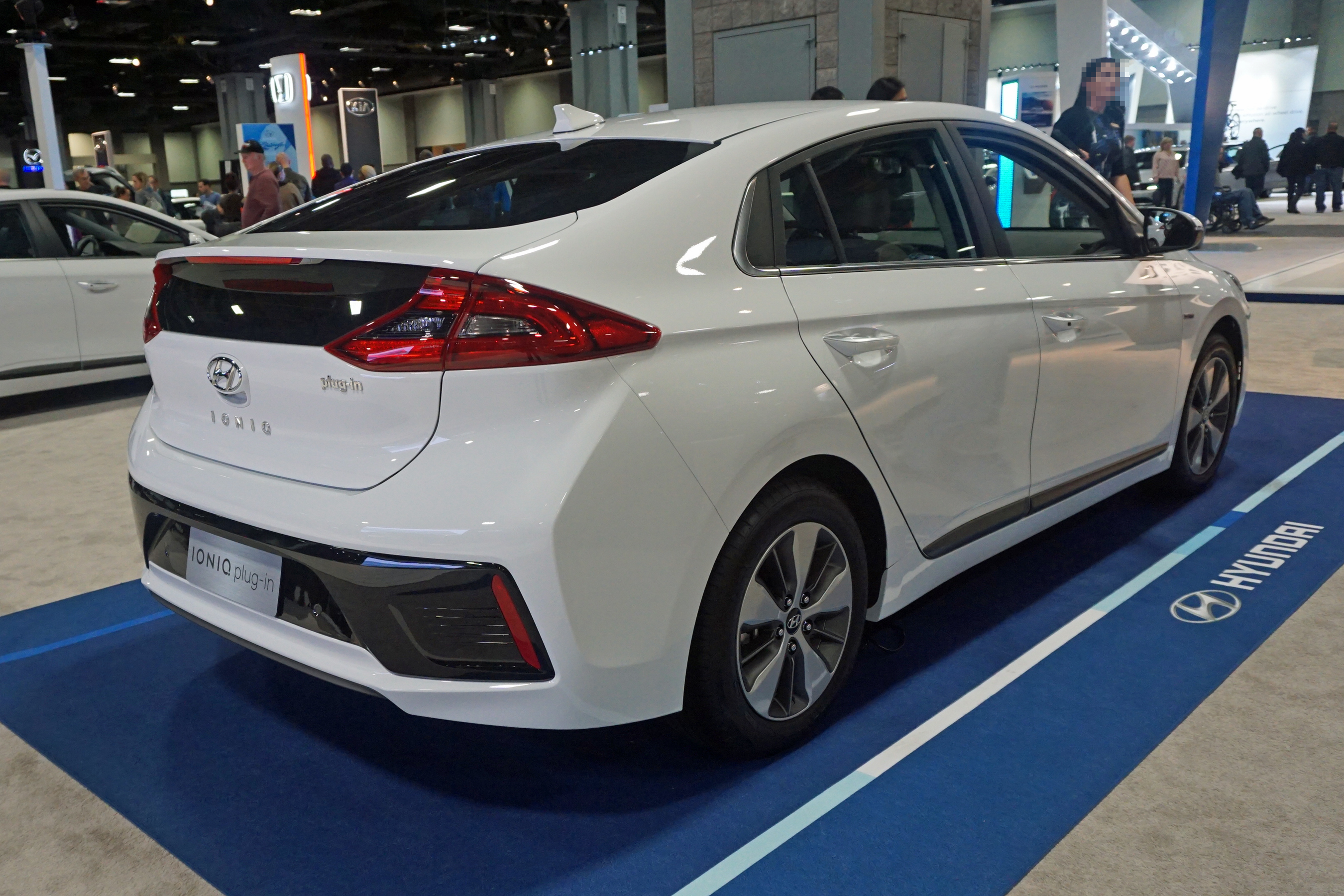 file hyundai ioniq plug in was 2017 wikimedia commons. Black Bedroom Furniture Sets. Home Design Ideas