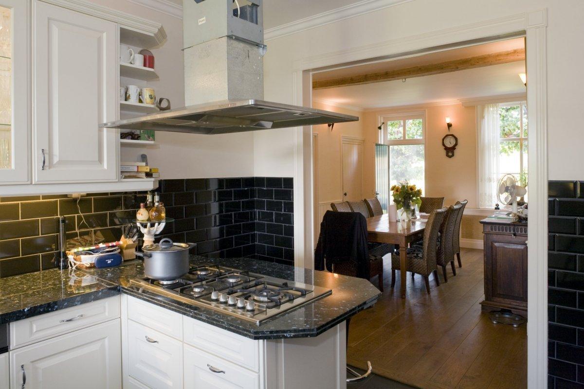 Eetkamer klassiek ontwerp - Hoe dicht een open keuken ...