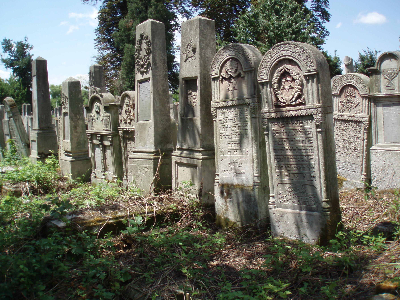 кладовище зніматимуть на відео