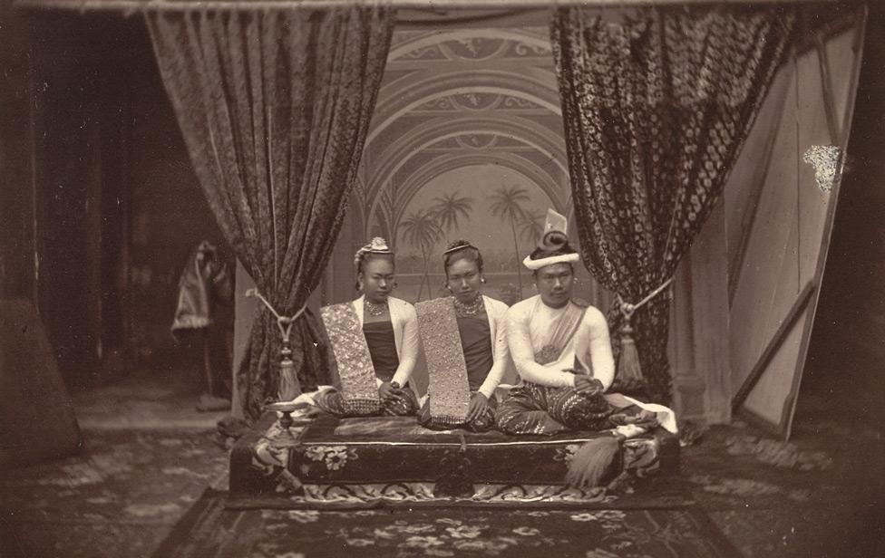 Король тибо королева daughter1885.jpg