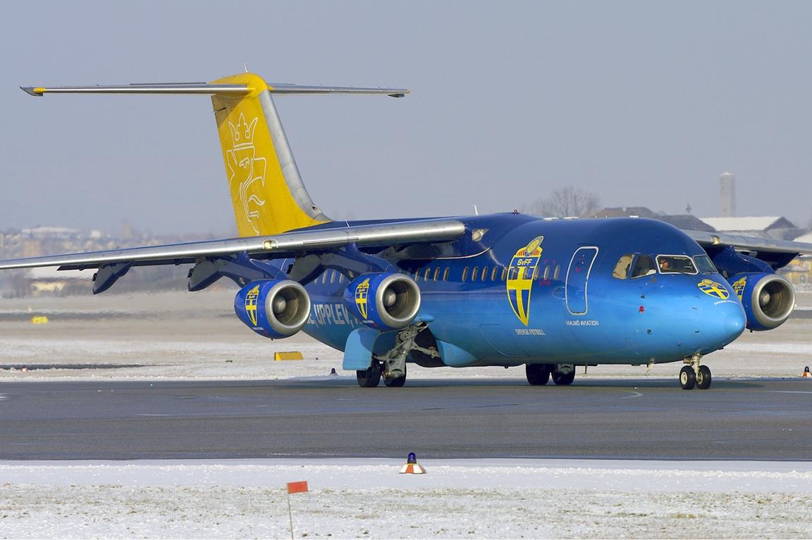 File:Malmo Aviation RJ...