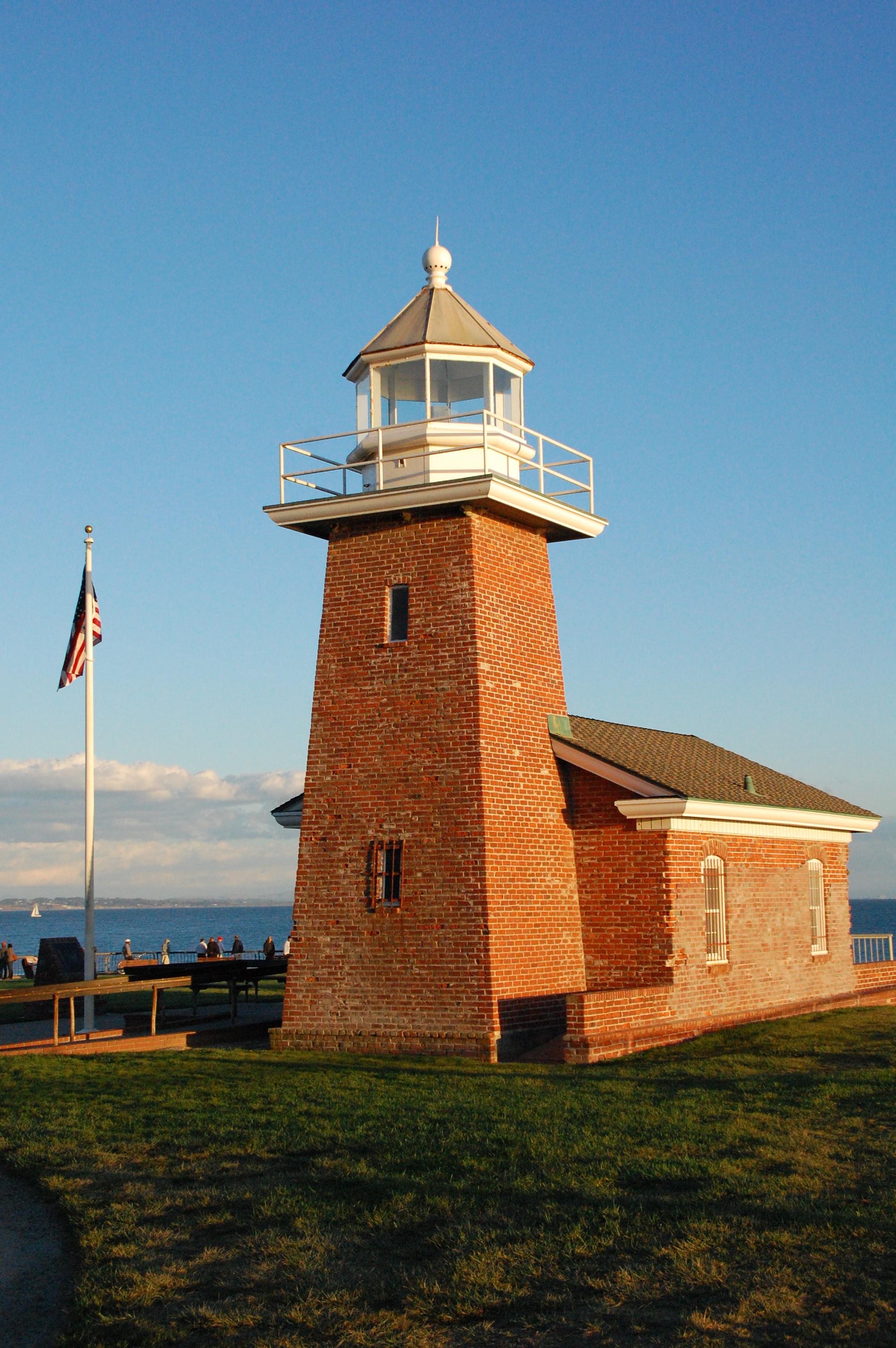 Uu >> File:Mark Abbott Memorial Lighthouse, Santa Cruz, California USA.JPG - Wikimedia Commons