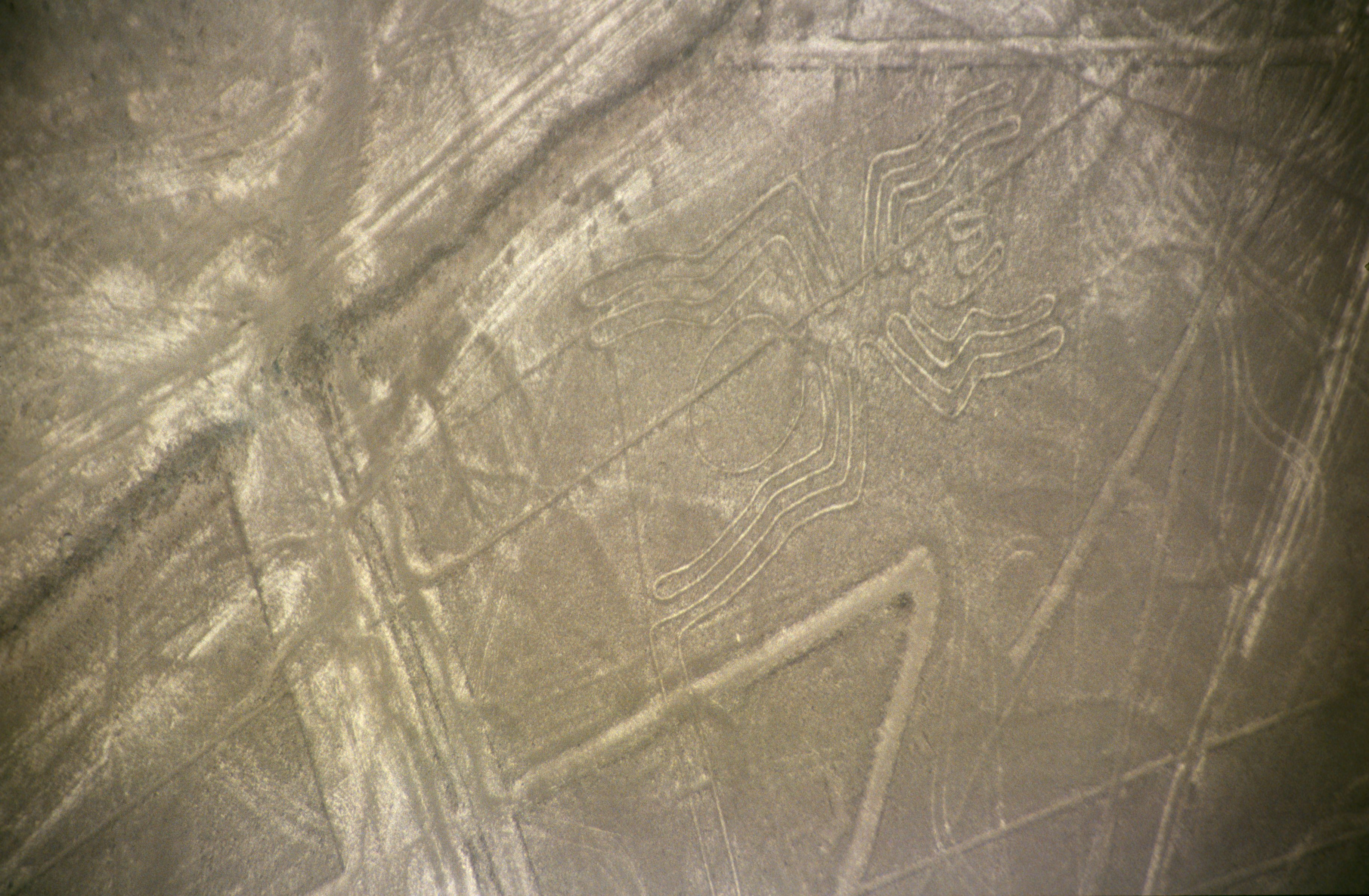 a summary of the nazca art More than 5,000 geoglyphs—prehistoric works of art placed on or worked into the landscape—have been recorded in the atacama desert of northern chile over the past thirty years a summary of these investigations appears in a paper by luis briones entitled the geoglyphs of the north chilean .