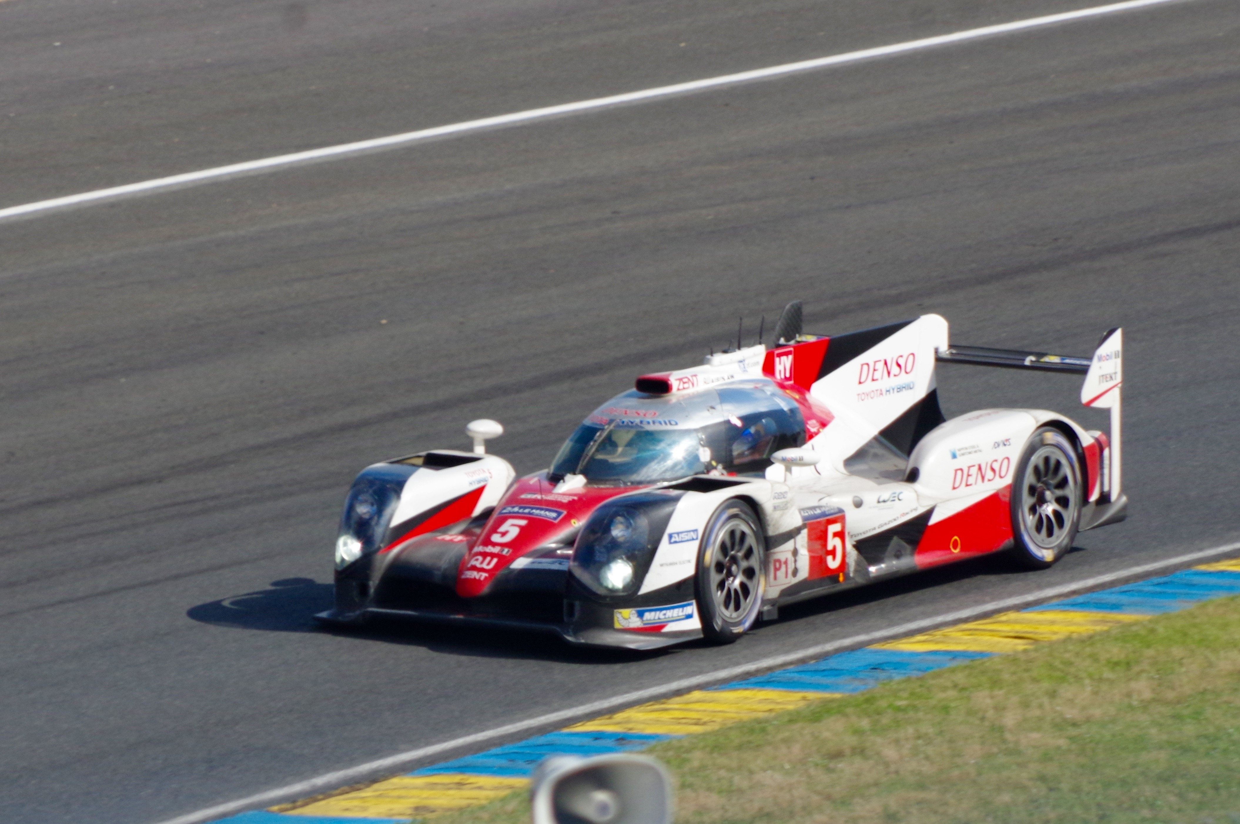ficheiro no 5 toyota ts050 hybrid 2016 24 hours of le mans 1 jpg wikip dia a. Black Bedroom Furniture Sets. Home Design Ideas