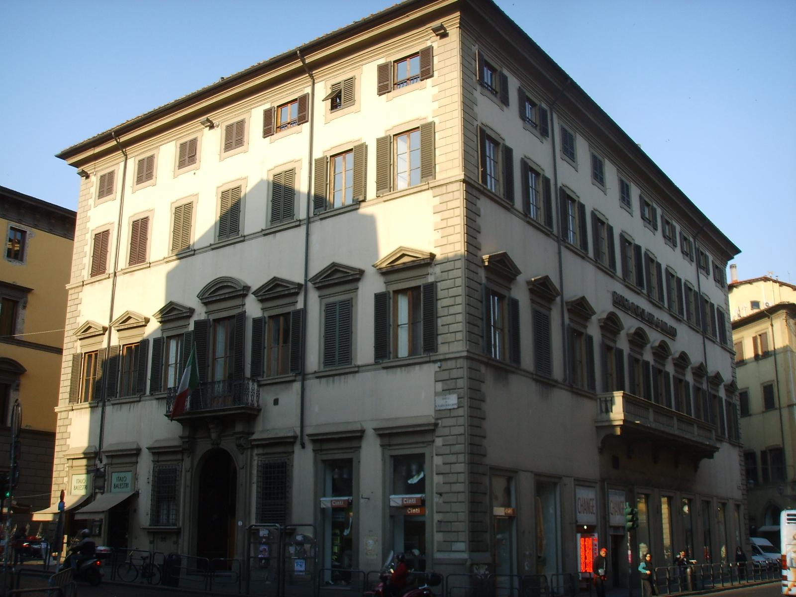 File palazzo delle cento finestre jpg wikipedia - Rivestire i davanzali delle finestre ...